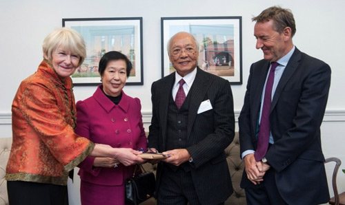 President and Vice-Chancellor, Professor Dame Nancy Rothwell at the unveiling with Dr Lee Kai Hung and his wife, and Lord Jim O'Neill.